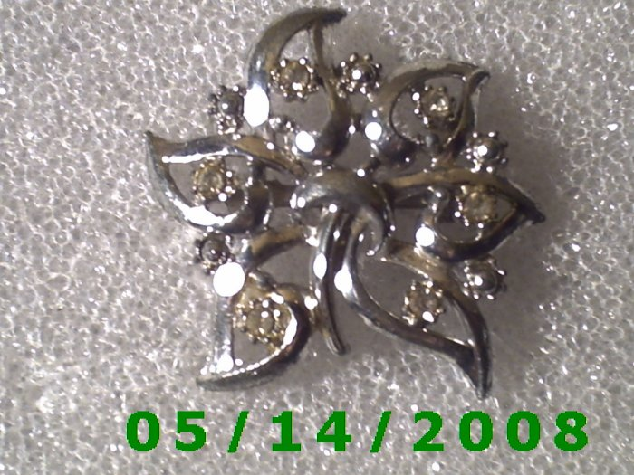 Silver Flower w/Rinestones Brooche  (B034)