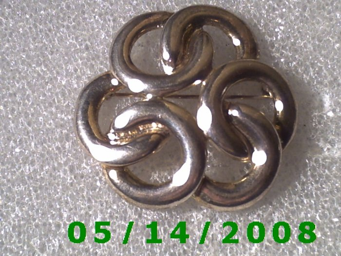 Silver Circles Pin    B020