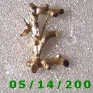 Gold Letter E Pin Signed Sarah Cov    B012