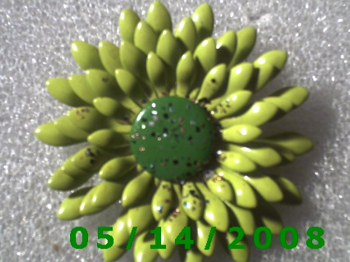 Flower Pin    B008