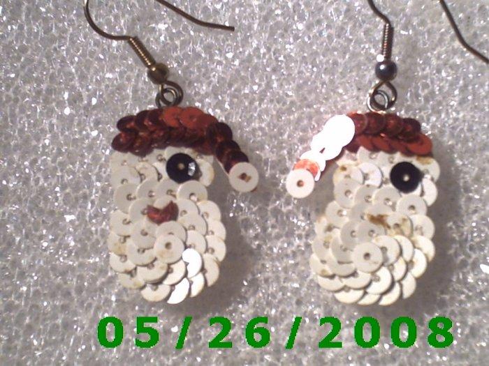 Sequined Santa Pierced Earrings     C004