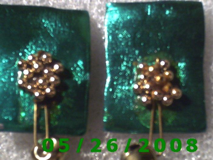 Bead Flower and Bell Pierced Earrings     C007