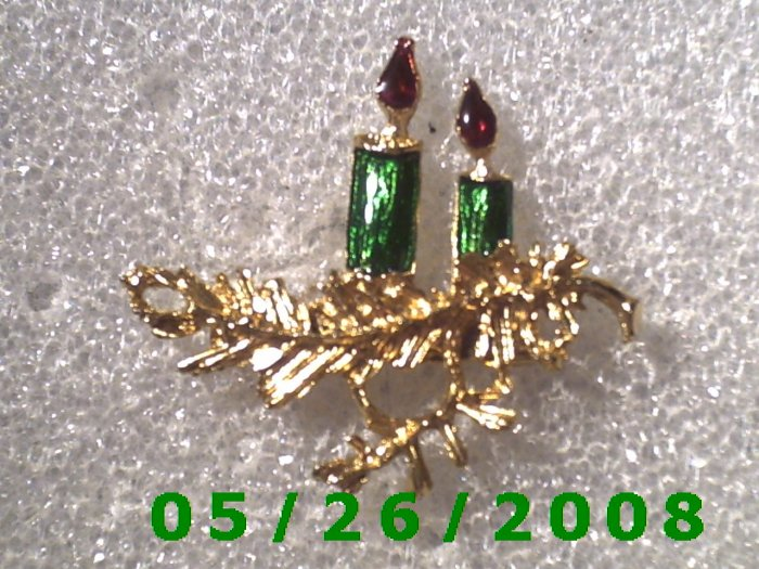 Gold Candles Pin     C001
