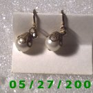Gold w/Pearl Clip On Earrings    D024 1005