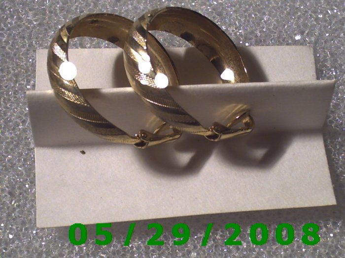 Gold Hoop Clip On Earrings    D043