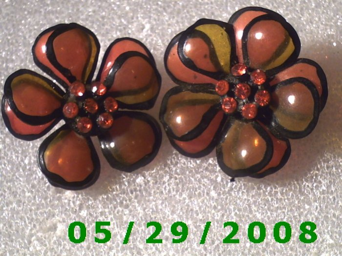 Flower Clip On Earrings    D046