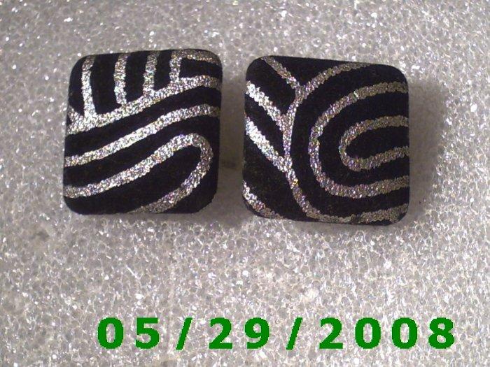 Black n Silver Clip On Earrings    D054