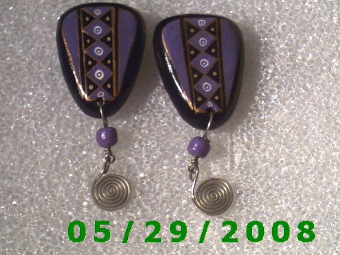 Black n Violet Clip On Earrings    D063