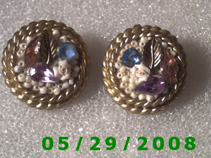 Leaf Stones n Pearls Clip On Earrings    D064