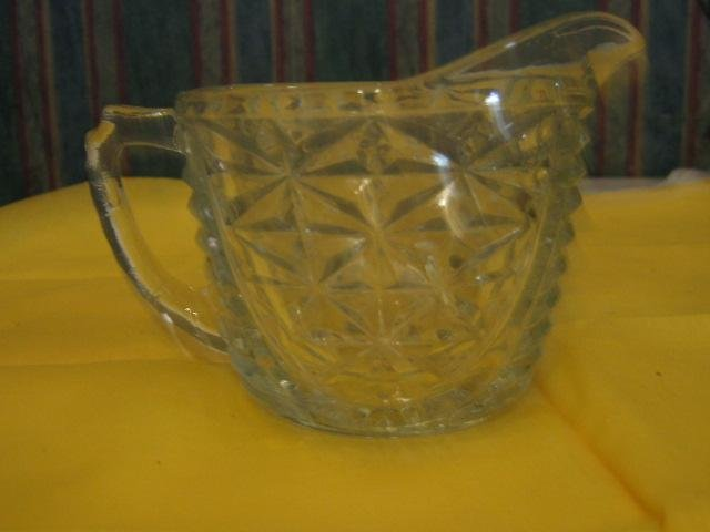 glass vintage Creamer .. Jacob's Ladder & Daisy Pattern