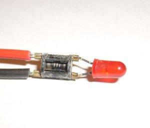 LED Single 'RED'