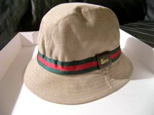 gucci biege bucket hat with red green stripe trim s. Black Bedroom Furniture Sets. Home Design Ideas