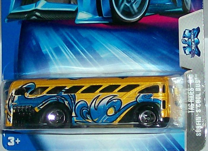 Hot Wheels 2004 tag rides surfin scool bus #140
