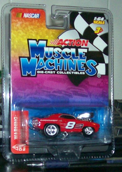 """MUSCLE MACHINES 05 NASCAR """"EARNHARDT JR."""" A MUST HAVE BEFORE HE CHANGES SPONSERS"""
