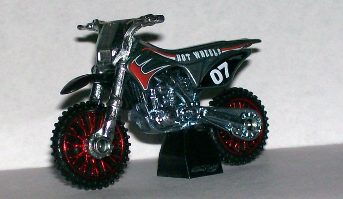 "Hot Wheels 2007 NEW MODELS #11 ""WASTELANDER"" GREY LOOSE"