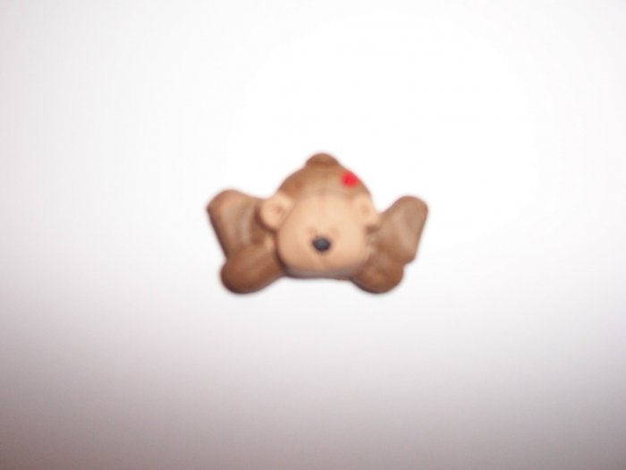 Lying down Bear fridge magnet and keyring