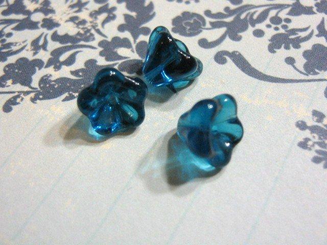 Capri Blue Czech Glass 8x6mm Tulip Bell Flowers 20 Beads