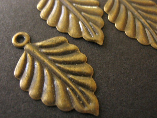 Findings Leaf Charm 26x15mm Antiqued Bronze Nickel Free 30 pcs