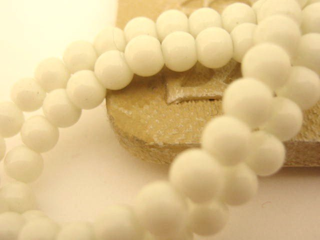 White Opaque Glass Beads 4mm Round