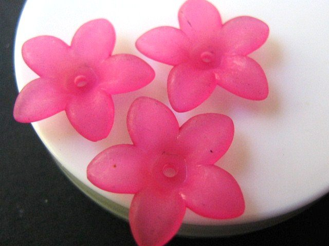Acrylic Spike Pink 17mm Flower Beads Plastic
