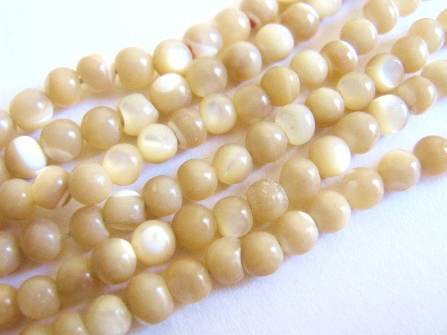Natural Mother of Pearl 4mm - 5mm Round Shell Beads
