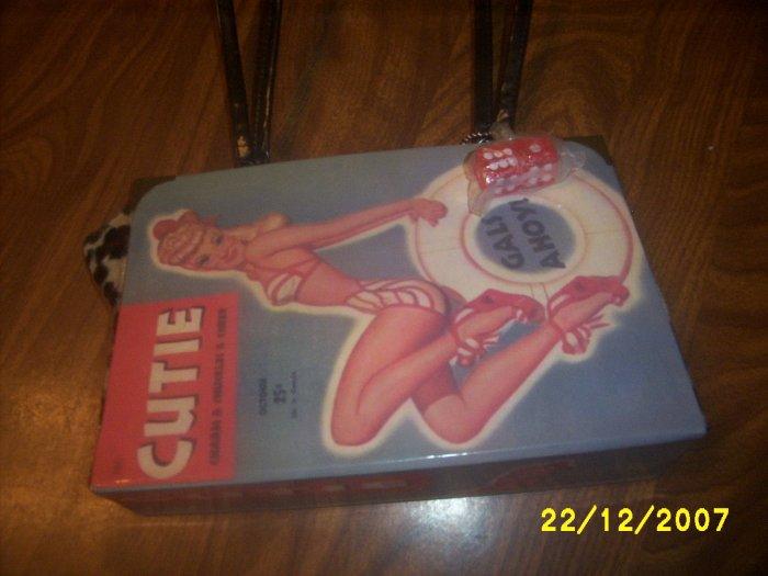 Purse Ladies handbag 9x6 Retro magizine remake  used