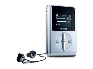 Philips HDD082 2GB MP3/WMA Player with FM Tuner
