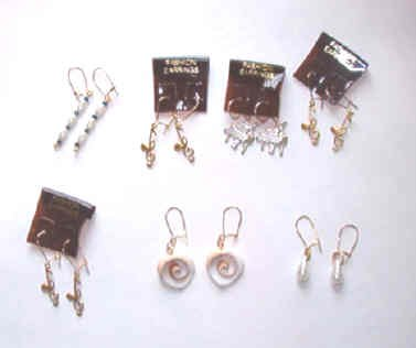 New: 7 Prs Fashion Earrings in a Clear Flower Case Pearl Musical Clefs, Heart Shapes, Pearls