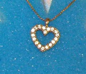 Avon Rhinestone Heart Shape Design 18 inch Necklace