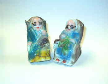 Grandma and Grandpa Rocking Chair Salt and Pepper Shakers - Vintage and Cute