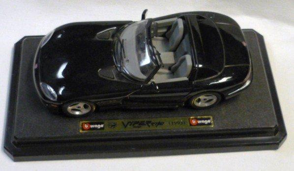Bburago 1993 Dodge Viper 1/24 Car rt/10 Convertible Die Cast
