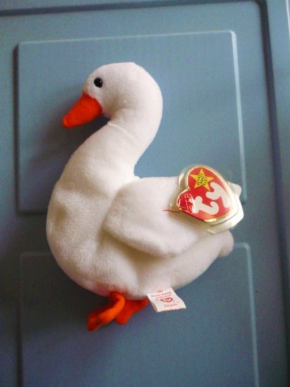 1996 Ty Beanie Baby Gracie the Swan Retired in Mint Condition