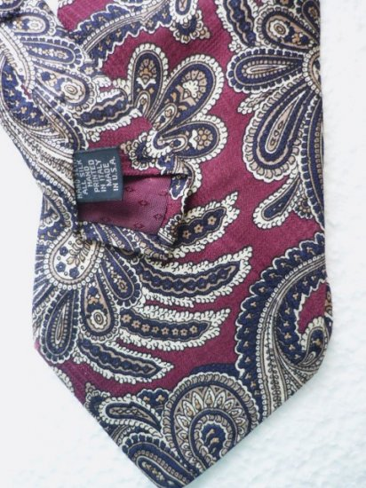 Roundtree and Yorke Silk Tie Hand Sewn Blue Gold Maroon Paisley