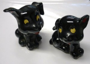 Vintage Puppy Salt and Pepper Shaker Set High Gloss Black