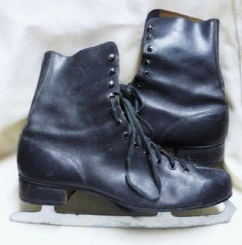 Mens Vintage Canadian Zephyr Black Ice Skates
