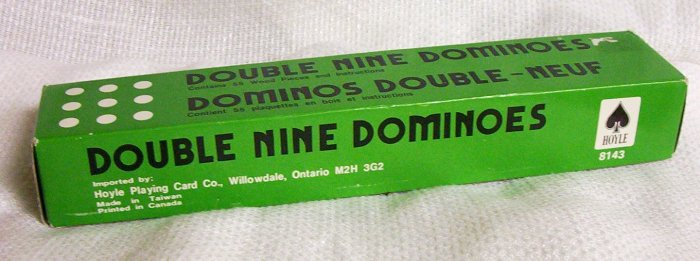 Double Nine Dominoes A Hoyle Product  (Canada)