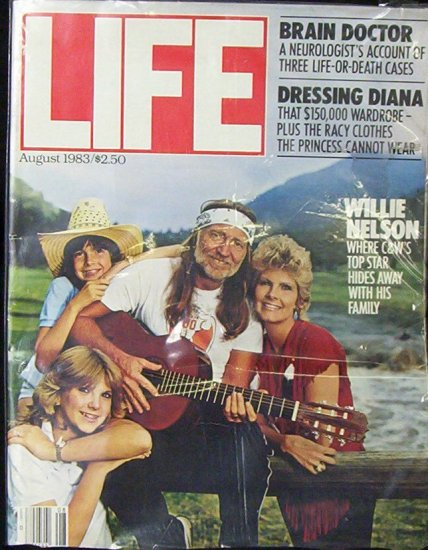 LIFE MAGAZINE August 1983 (Willie Nelson)