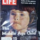 LIFE MAGAZINE Oct. 20, 1972 &quot;The Middle Age Child&quot;