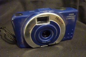 Deluxe 35mm Focus Free Compact Camera - Blue