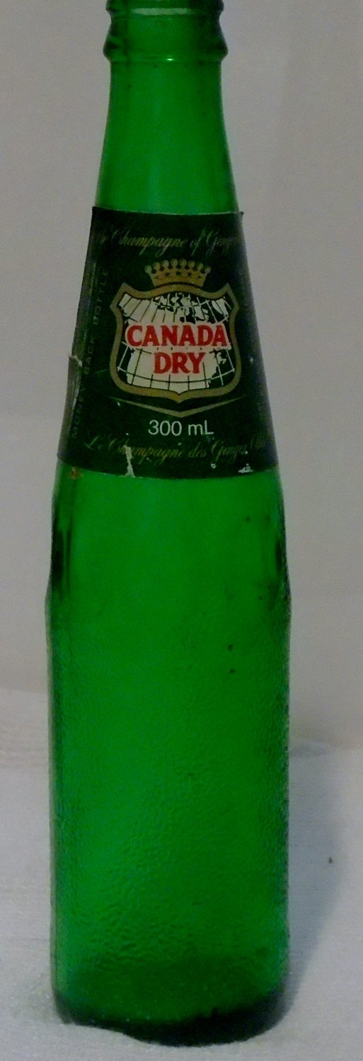 Canada Dry 300 ML green glass pebbled bottle