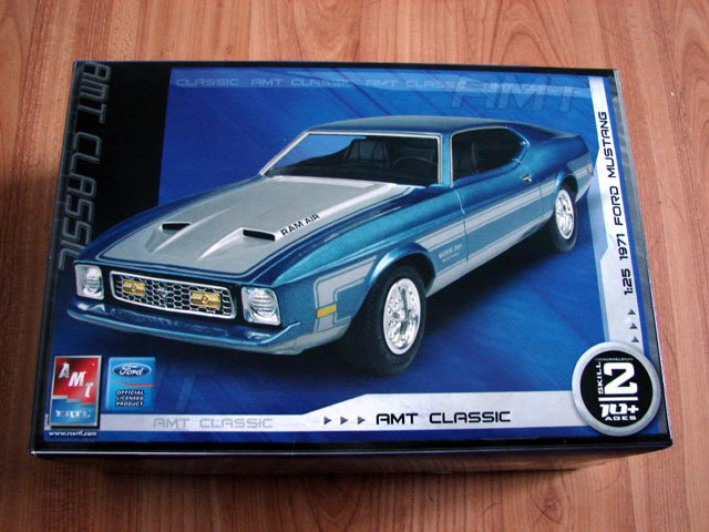 1971 FORD MUSTANG MODEL KIT AMT / ERTL