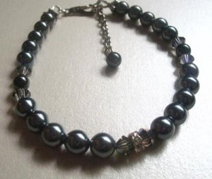 Handcrafted bracelet - Black Pearl Beauty