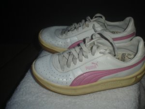 Puma GV Special LEATHER SHOES WHITE PINK Size 5.5 Used
