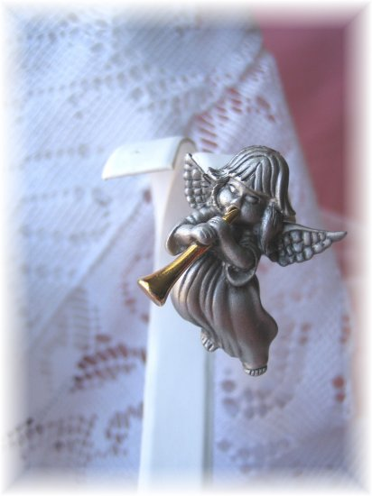 Pewter Angel ~Gabriel's Horn christmas pin