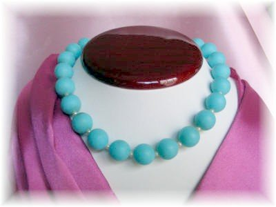 New Vintage jewelry turquoise Lucite Bead Choker