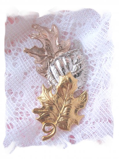 Avon signed 3 leaf cast pin - jewelry
