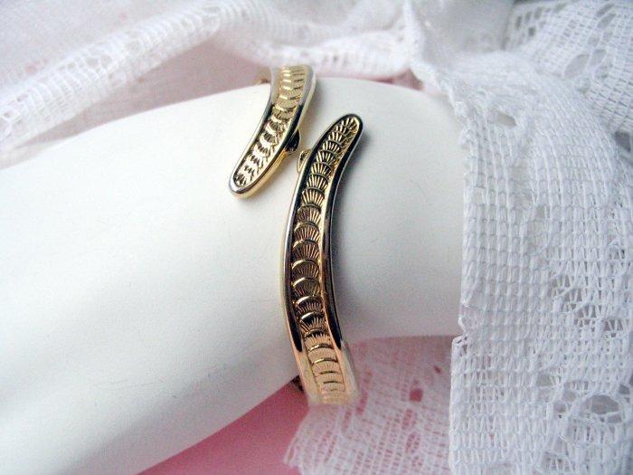 Monet Bracelet Oval Hinge Art Deco Vintage Designer