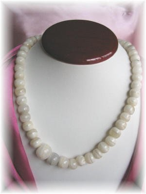 Vintage jewelry white polished marble necklace
