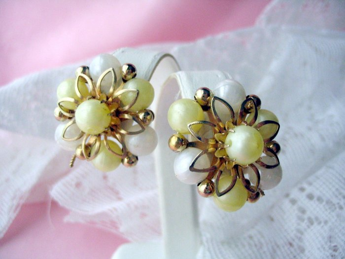 Vintage jewelry Coro Yellow Clip Earrings
