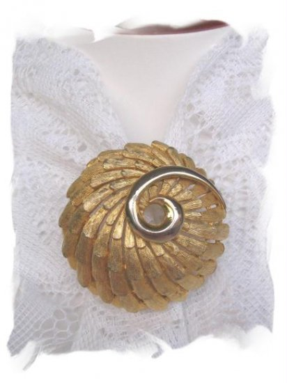 BSK Signed pin feathered swirl vintage jewelry
